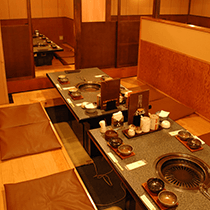 少人数様での個室や、30名様までご利用可能なテーブル個室まで、キリン屋では様々なシュツエーションに対応いたします